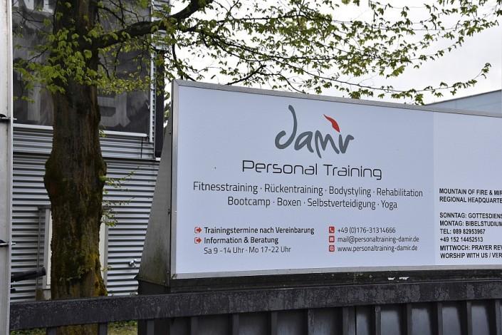 Personal Training Damir Studio Eingangsschild